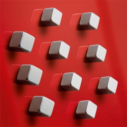 Silný magnet - tvar krychle / 4 ks